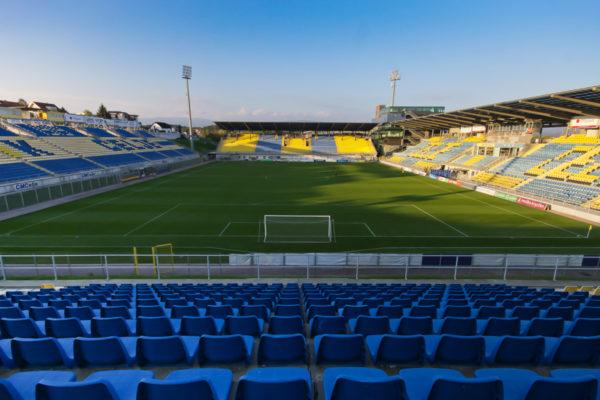Nogometni stadion Z´dežele